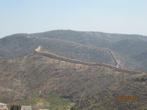 Long Running Walls of Jaigar Fort
